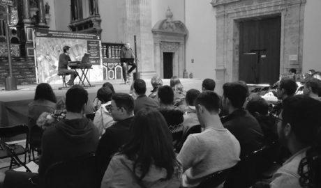 Els alumnes del Maria Ibars de Dénia rememoren el 75 aniversari de la mort de Miguel Hernández