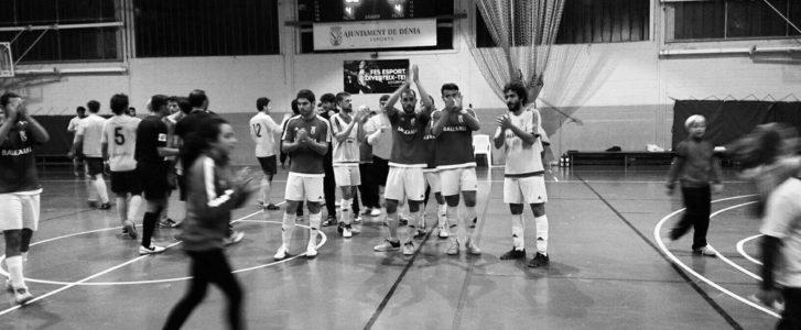 Triste derrota en el emotivo y multitudinario adiós del Dénia Futsal