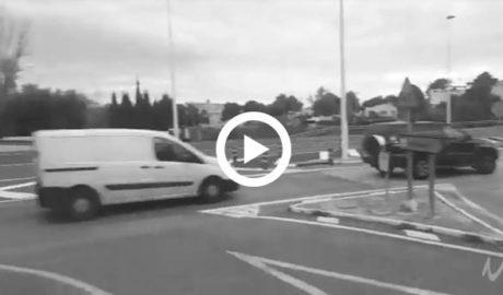 [VÍDEO] Jugarse la vida para cruzar la N-332 que separa Calp de la estación de tren