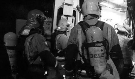 Los Bomberos rescatan a una anciana del incendio de su casa en El Verger
