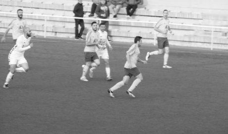 El CD Dénia gana 4-0 al Fundació Benidorm y sigue fuerte en puestos de promoción