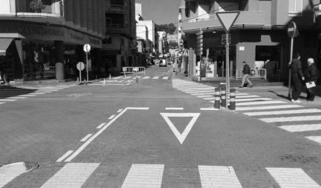 Tráfico: La calle La Vía ya tiene prioridad sobre Diana para evitar colapsos en Dénia
