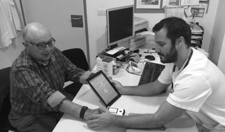 [VÍDEO] Un metge de Gata desenvolupa la primera APP amb pulsòmetre per detectar arítmies