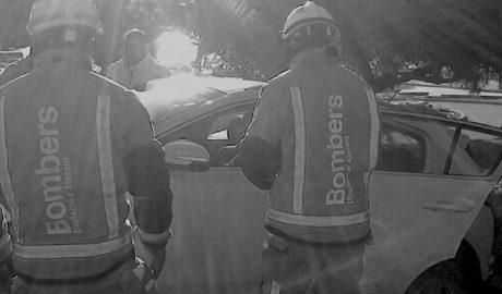 Un conductor s'estavella contra un mur en la carretera de Moraira després de patir un desmai