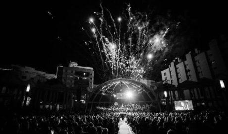 Calp va gastar en el concert de Cap d'Any 9.000 euros per a 13TV, 1.400 en vi, 1.500 en flors...