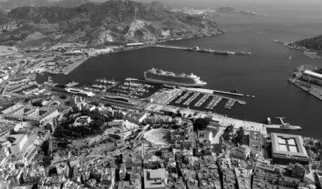 Otro competidor para el Puerto de Dénia: Cartagena pide una línea de ferrys con las Balears