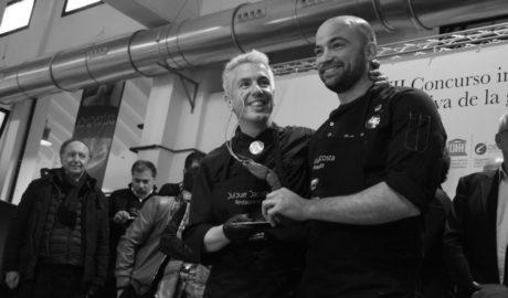 El primer premio del Concurso Internacional de la Gamba Roja de Dénia se queda en casa con la victoria de Bruno Ruiz
