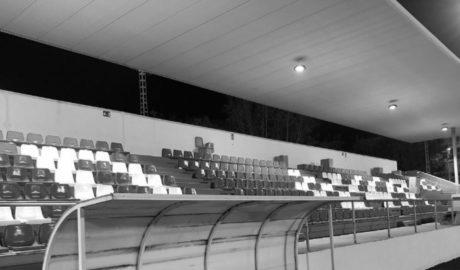 El campo de fútbol de Xàbia ya tiene cubierta su grada