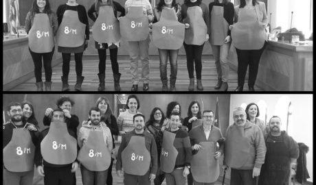 [LA FOTO] Las concejalas de Pego ceden el delantal a sus compañeros de corporación
