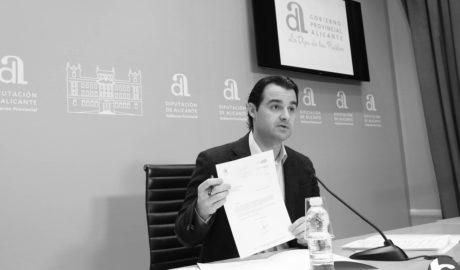 El PP critica que Compromís no haja expulsat als regidors de Benitatxell que van intentar la moció de censura