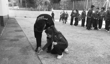 La Policía de Dénia conciencia a los escolares sobre el uso de los productos pirotécnicos