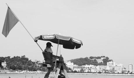 Dénia contratará por urgencia un servicio de socorrismo en playas para esta Semana Santa