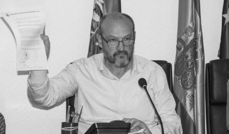 """El alcalde de Benitatxell se querellará contra Compromís por acusarle de """"regalar"""" 150.000 a una empresa"""