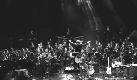 Los Secretos y la Agrupación Musical Cultural de Teulada hacen vibrar el Auditori Teulada Moraira