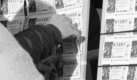 Condenada a año y medio de prisión una mujer por apropiarse de un décimo compartido premiado con un millón de €