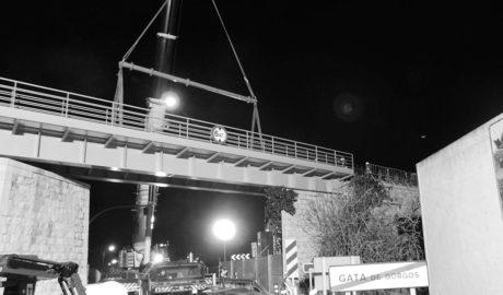 Gata busca un lugar para emplazar el puente centenario del tren, retirado el pasado viernes por FGV