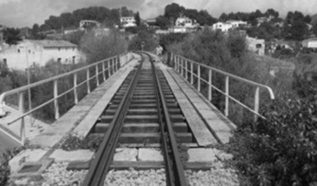 FGV repara el puente centenario del TRAM sobre la N-332 en Gata