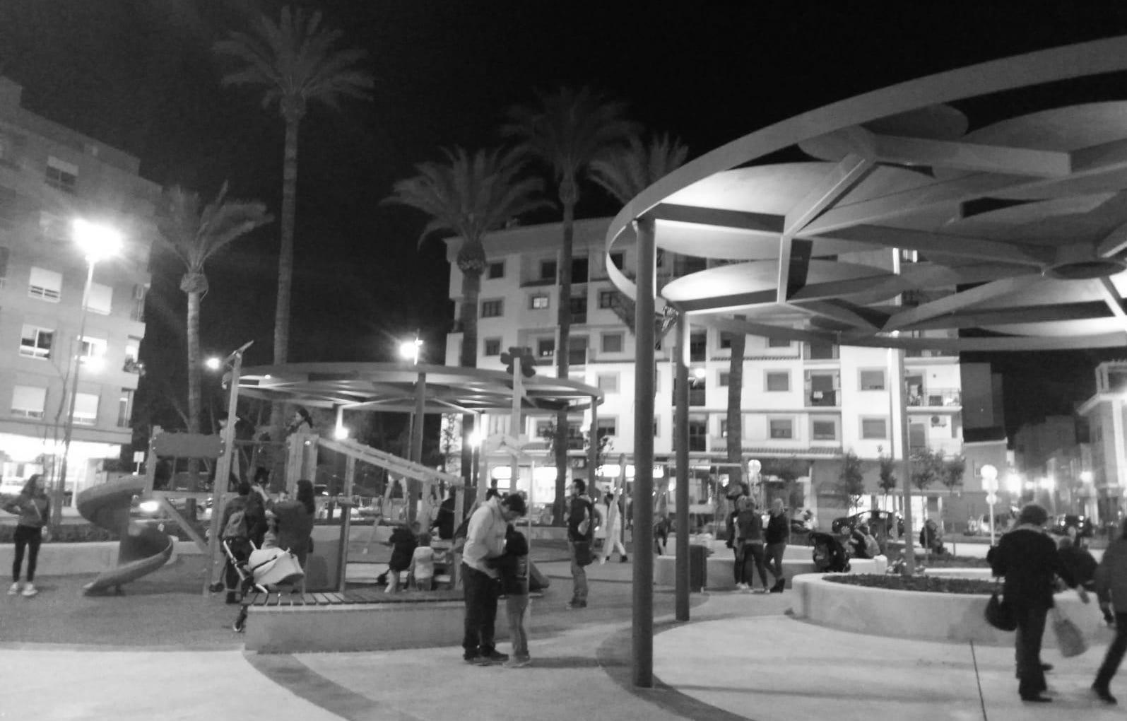 Antes La Vecina vecinas y vecinos donde antes había autobuses: la plaza